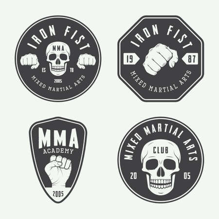 artes marciales mixtas: Conjunto de cosecha mixta de artes marciales, insignias y emblemas. ilustración vectorial Vectores
