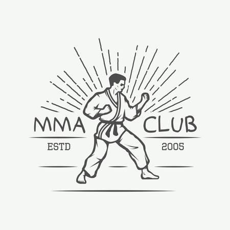 patada: Karate de época o logo artes, emblemas, insignias, etiquetas y elementos de diseño marciales. ilustración vectorial Vectores