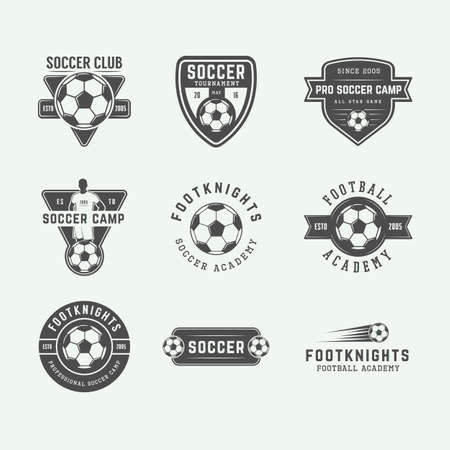 Set van vintage voetbal of voetbal logo, embleem, badge. Vector illustratie. Grafische kunst