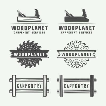 Conjunto de carpintería de la vendimia, carpintería y etiquetas mecánico, símbolos, emblemas y logotipo. Ilustración del vector. Arte gráfico blanco y negro.
