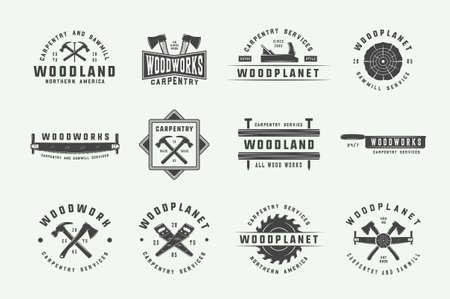 Satz von Vintage-Zimmerei, Holzarbeiten und mechanischen Etiketten, Abzeichen, Emblemen und Logos. Vektor-Illustration. Monochrome grafische Kunst. Logo
