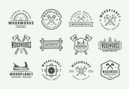Set di etichette vintage di carpenteria, falegnameria e meccanica, distintivi, emblemi e logo. Illustrazione vettoriale. Arte grafica monocromatica.