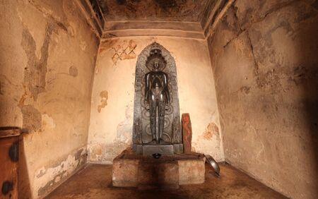 India Shravanabelagola, altar with a statue of god Vishnu