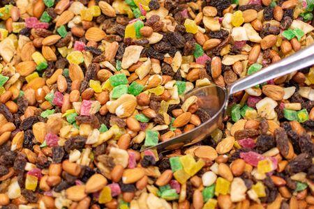 background of mixture of nuts and raisins Standard-Bild