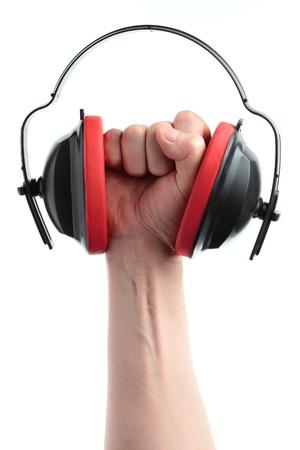 anti noise: cuffie e la mano