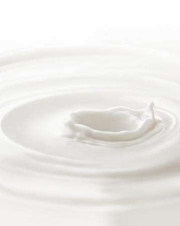 leche y derivados: Milk. Plantilla para la ca? en la leche de baya o una pieza de fruta