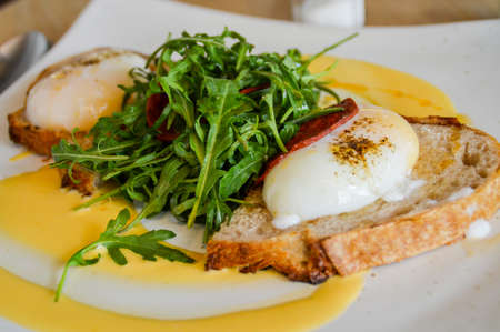 benedict: Egg Benedict