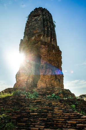 phra nakhon si ayutthaya: Solo Standing Prang in royal palace near Wat Lokayasutharam