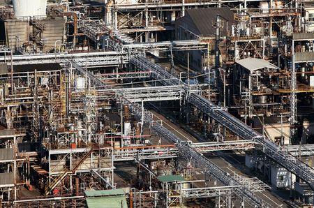 chemical plant: Chemische fabriek