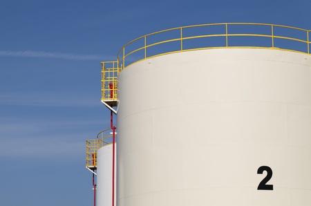 tanque de combustible: Tanque de almacenamiento de informaci�n Foto de archivo