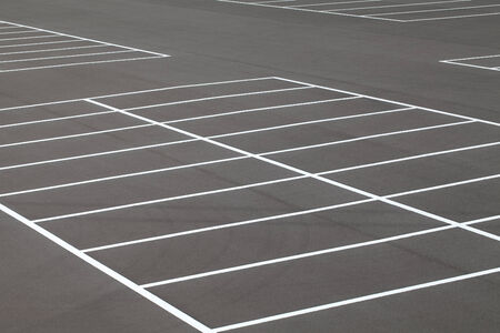 Markierung auf asphaltierten Parkplatz Straße Standard-Bild - 24384924