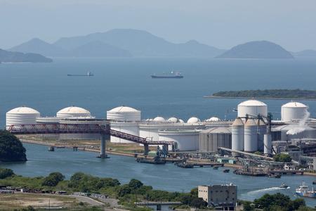 fuel storage: Industrial fuel storage tanks at oil refinery