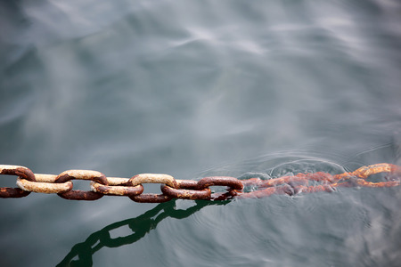 iron chain: Close up of industrial rusty iron chain