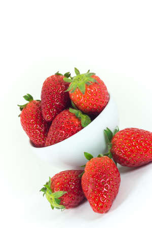 bacca: Strawberries isolated on white background (fruit)