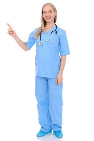 Lachende jonge verpleegster portret geïsoleerd op witte achtergrond. Stockfoto - 80610696