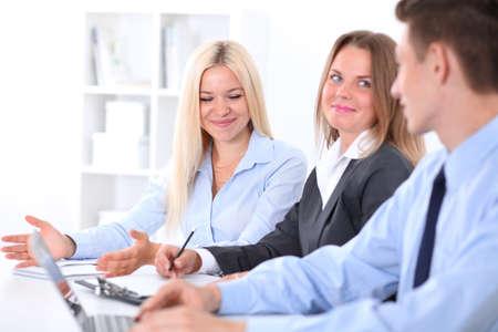 personas reunidas: Business people at meeting