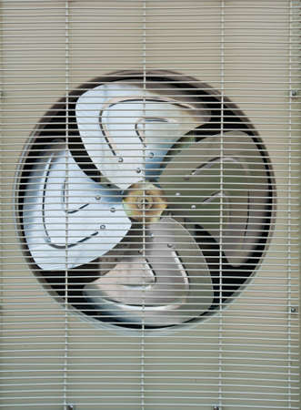 coolant temperature: fan of air conditioners