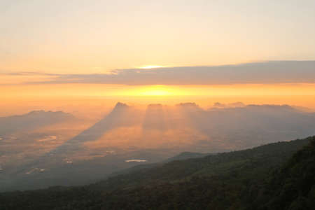 kradueng: Sunrise at phu Kradueng