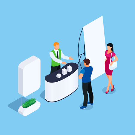 Stand isométrique avec promoteur et clients. Stand promotionnel avec affiche publicitaire. Maquette vierge. Illustration vectorielle. Vecteurs