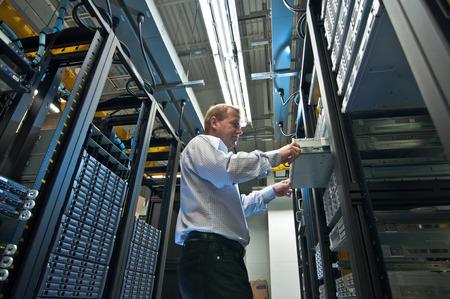 electricista: La expansión del servidor