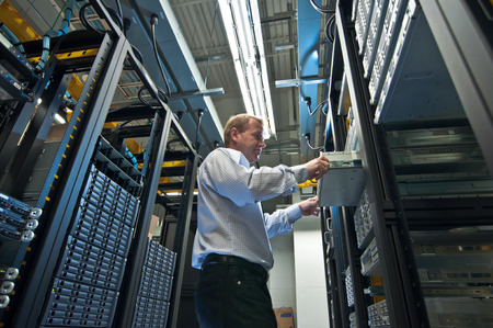 computer data: Server expansion