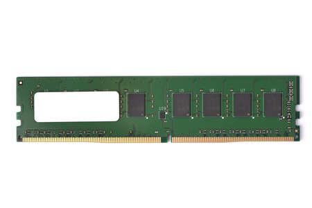 Foto del modulo di memoria RAM DDR4 DDR3 DDR2 DDR isolato su sfondo bianco. Foto ad alta risoluzione.