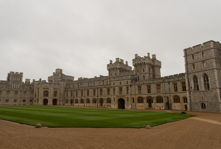 Inner courtyard of Windsor Castle on late October Redakční