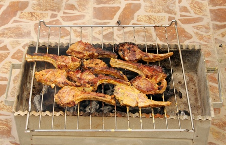 mutton chops: Grilling of delicious mutton chops