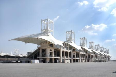 grandstand: Tribuna principal en el Circuito Internacional de Bahrein de la F�rmula 1 Editorial