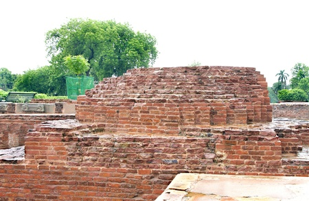 vihar: Ancient Mulgandhakuti ruins, the chief shrine of Buddha Stock Photo