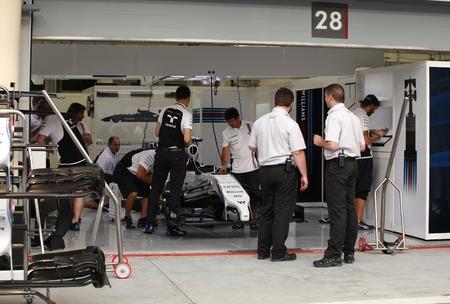 pit stop: Shakir, Bahrein - 03 de abril: Pit stop garaje del equipo Williams-Mercedes jueves 03 de abril de 2014 de F�rmula 1 Gulf Air Gran Premio de Bahrein 2014 Editorial