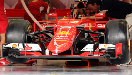 pit stop: Pit stop garage of team Ferrari on Thursday April 16 2015 Formula 1 Gulf Air Bahrain Grand Prix 2015
