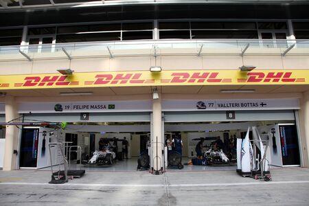 pit stop: Pit stop garaje del equipo Williams el jueves 16 de abril 2015 de F�rmula 1 Gulf Air Gran Premio de Bahrein 2015 Editorial