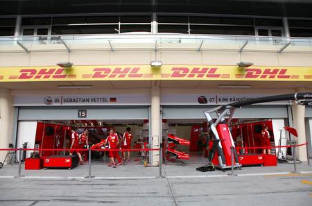 pit stop: Pit stop garaje de Ferrari el jueves 16 de abril 2015 de F�rmula 1 Gulf Air Gran Premio de Bahrein 2015