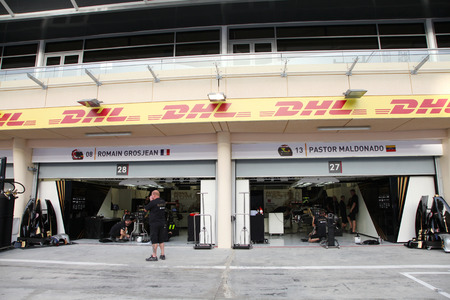 pit stop: Pit stop garage of team Lotus on Thursday April 16 2015 Formula 1 Gulf Air Bahrain Grand Prix 2015