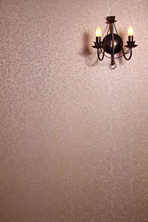 Lámpara de estilo eléctrico en el fondo de pantalla con el patrón