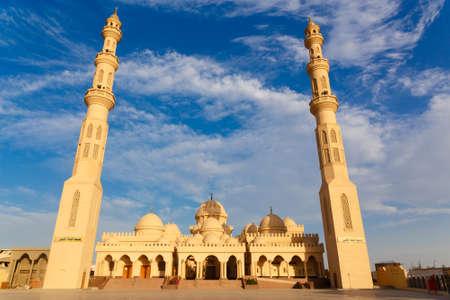 mohammedan: Exterior of El Mina Masjid Mosque in Hurghada, Egypt