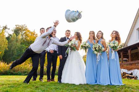 Loser drops the wedding cake during the wedding ceremony Standard-Bild