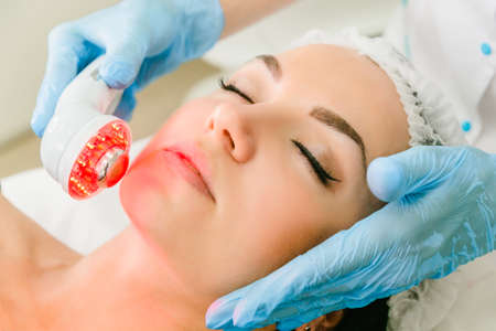 Ultrasound infrared light cosmetic treatment for the face
