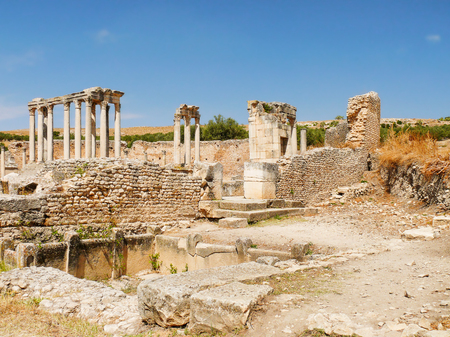tiers: Dougga, Roman Ruins. Unesco World Heritage Site in Tunisia.