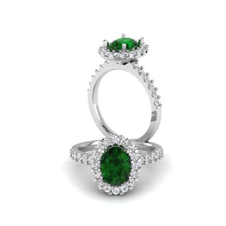 Emerald Oval ring Stok Fotoğraf - 29468987