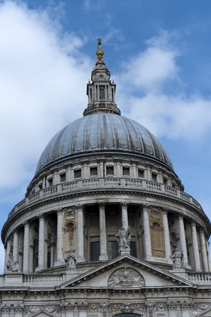 saint pauls cathedral in london photo
