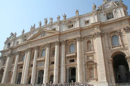 st  peter's basilica pope: Vaticano San Pietro
