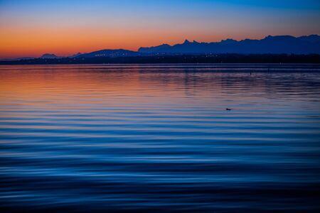 breaking dawn: Amanecer en el Lago Ginebra, Suiza