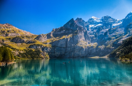 The Oeschinen mountain lake ot Oeschinensee in Kandersteg, Switzerland Stok Fotoğraf - 15170120