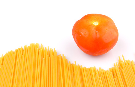 thin bulb: A group of dried spaghetti and tomato