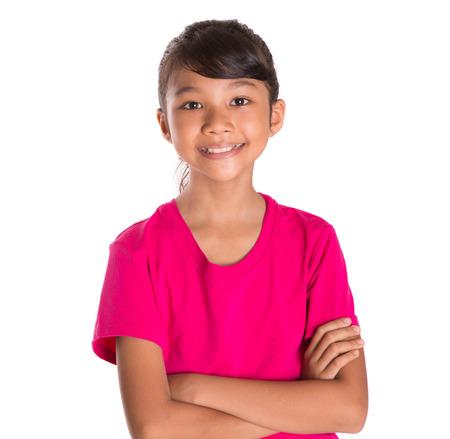 ni�o modelo: Joven malaya asi�tica joven en camiseta rosa