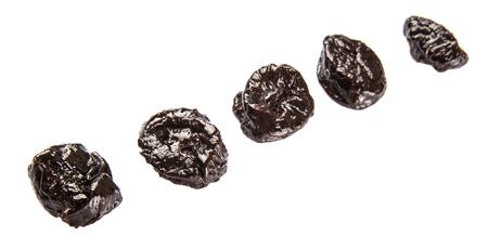 pruneau: Prune s�ch�e ou prune sur fond blanc