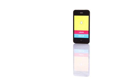KUALA LUMPUR, Maleisië - 17 januari, 2015. Uitgebracht in september 2011, Snapchat is populair een foto messaging applicatie .. In 2014 Snapchat werd gezegd te worden gewaardeerd op $ 10- $ 20000000000. Redactioneel