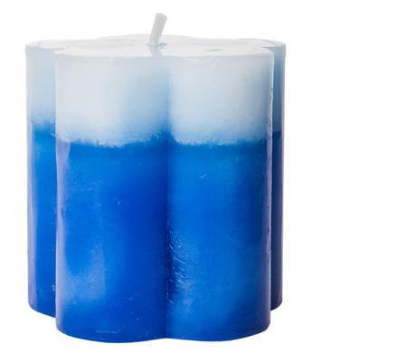 aromatický: Modré aromatické svíčky na bílém pozadí Reklamní fotografie